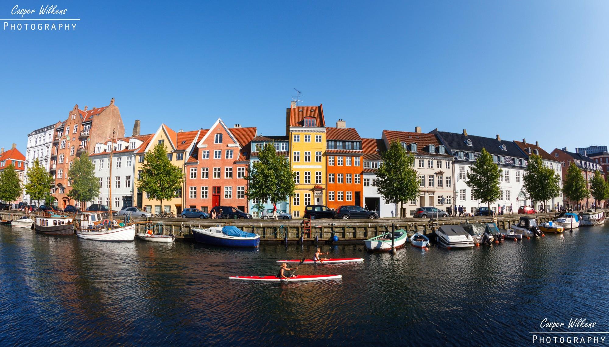 kajaki na wodzie w Christianshavn w Kopenhadze