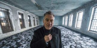 Robert De Niro w opuszczonym szpitalu na wyspie Ellis