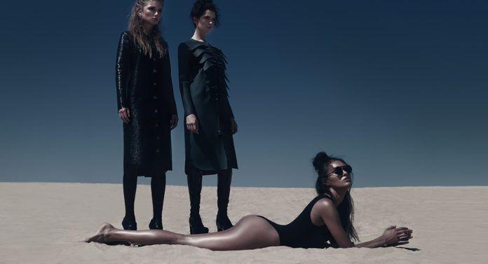 trzy kobiety na piasku
