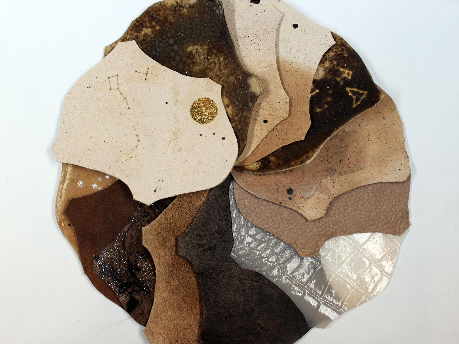Kawałki materiału, brązowe i jasne