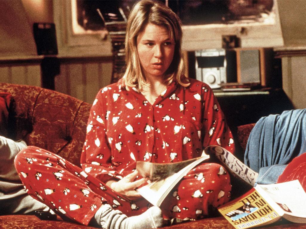Blondynka w czerwonej piżamie