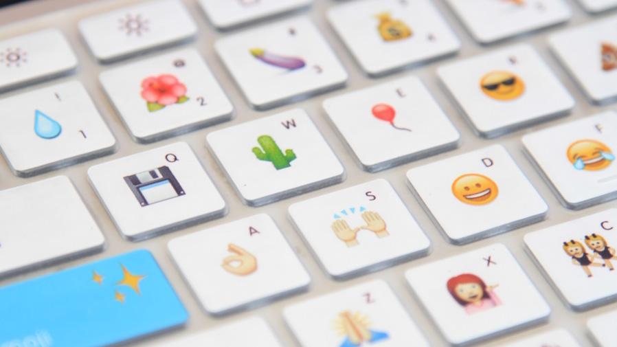 Klawiatura z emoji zamiast literek
