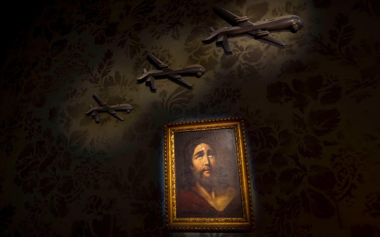 Obraz Jezusa w hotelu Banksy