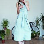 Dzewczyna w miętowej sukience