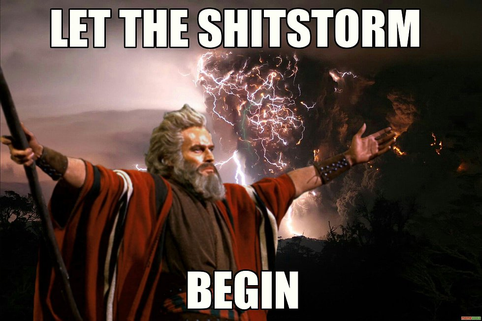 """mem przedstawiający scenę z filmu """"Ben Hur"""" z napisem """"let the shitstorm begin"""""""
