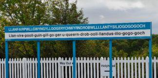 Tabliczka z 58 literową nazwą miasta