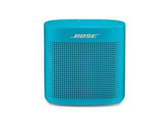 Niebieski głośnik na bluetooth