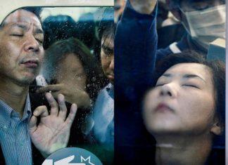 Dwa ujęcia przedstawijące mężczyznę i kobietę w zatłoczonym metrze