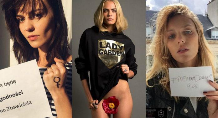 Trzy dziewczyny: brunetka z zaciśniętą pięścią, blondynka ubrana w bluzę z kwiatem między nogami i blondynka trzymająca kartkę