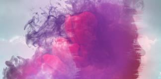 Grafika przedstawiająca różowy dym