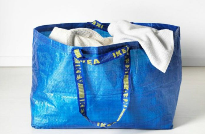 niebieska torba ikea