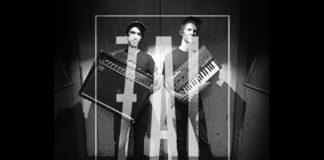 Czarno-białe zdjęcie dwóch chłopaków