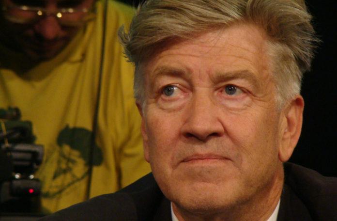 Zdjęcie przedstawia twarz mężczyzny