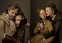 Dwie fotografie portretowe, kolorowe utrzymane w kolorach brązu. Na pierwszym zdjęciu widać przytulającą się kobietę i mężczyznę. Mężczyzna, po lewej stronie, ma zamknięte oczy, brązowe włosy i siwiejący zarost. Ubrany jest w jasną koszulę i jasnobrązowy płaszcz z kapturem. Kobieta ubrana jest w ciemnobrązowy płąszcz z podniesionym kołnierzem. Włosy ma siwiejące, gładko spięte do tyłu. Na drugim zdjęciu widać dwie kobiety. Po lewej stronie jest młoda kobieta. Blondynka z dwoma koczkami na głowie. Ubrana w musztardową sukienkę w prążki, po prawej stronie jest kobieta z pierwszej fotografii obejmująca i czule przytulająca policzek to głowy pierwszej kobiety.