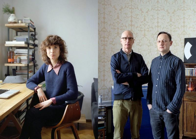 Dwa zdjęcia, po lewej kobieta w granatowym swetrze siedząca przy biurku, po prawej dwóch stojących mężczyzn - jeden ubrany w koszule i sweter, drugi w samą koszulę