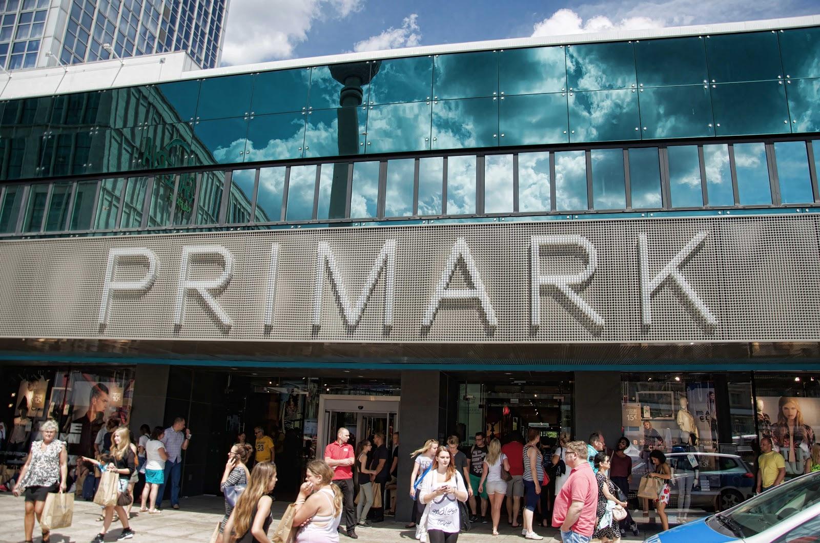 sklep Primark w Berlinie w obrębie Alexanderplatz