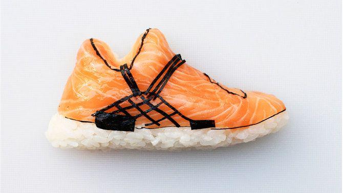 buty wykonane z sushi