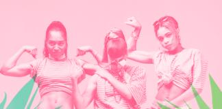 Zdjęcie w różowej kolorystyce przedstawiające trzy dziewczyny prężące muskuły