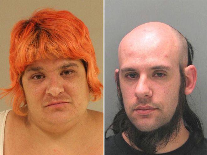 zdjęcie mugshot - jedna osoba ma rude włosy a'la grzybek, druga ma bokobrody