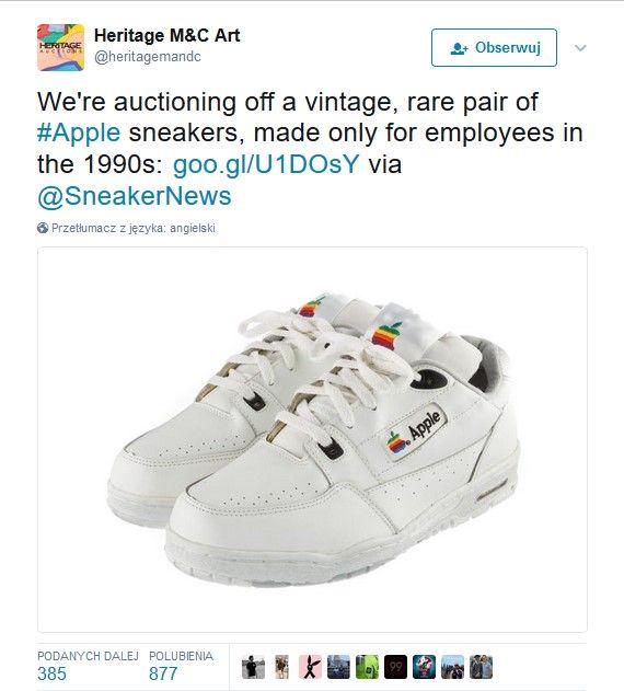 Screenshot z twittera z białymi butami z wyszywanym logo apple