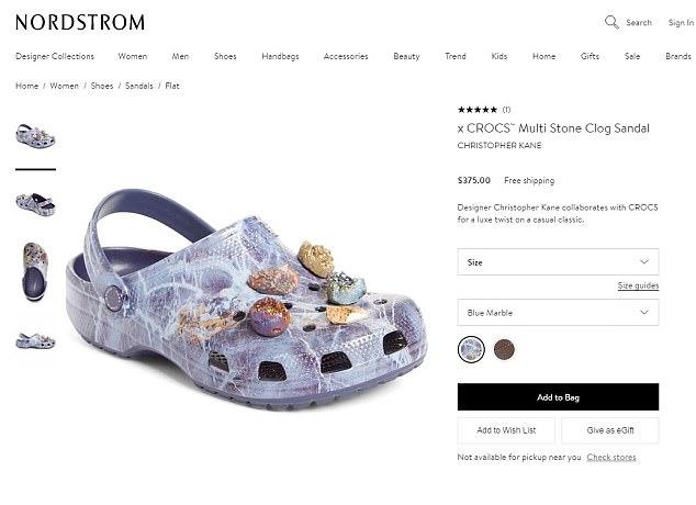 Gumowe buty ozdobione kamykmia