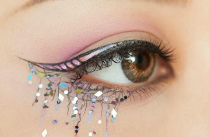 Oko w dorysowanym rogiem jednorożca