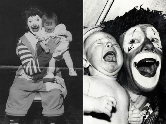 Klauny z płaczącymi dziećmi.