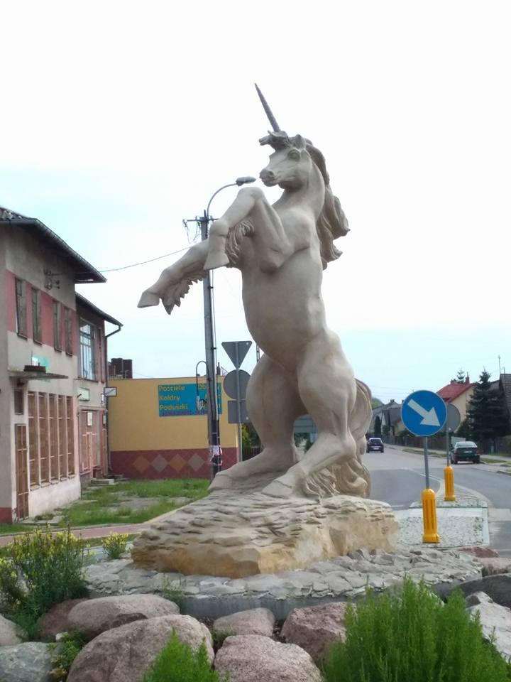 Pomnik przedstawiający jednorożca