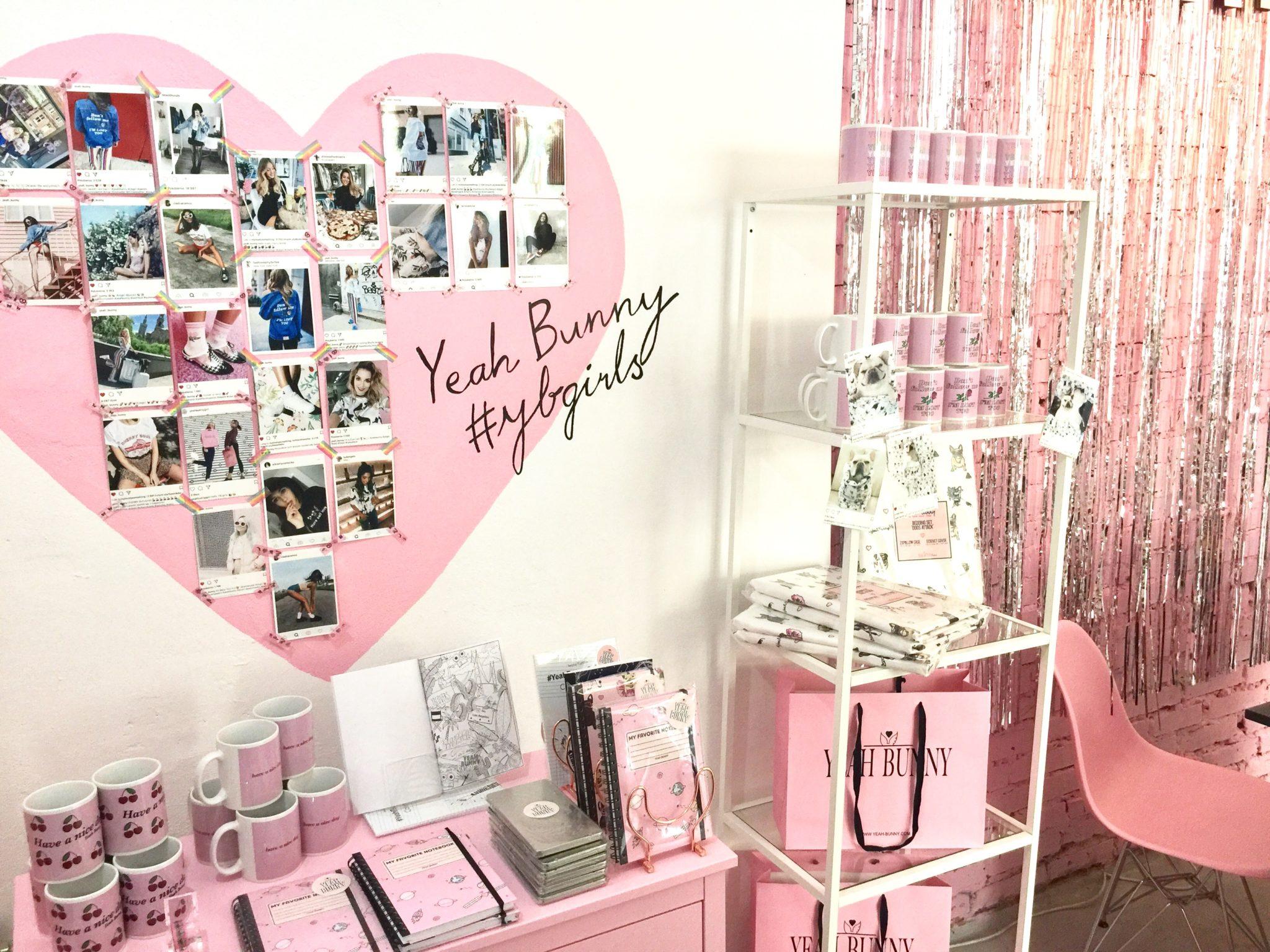 Różowe wnętrze sklepu