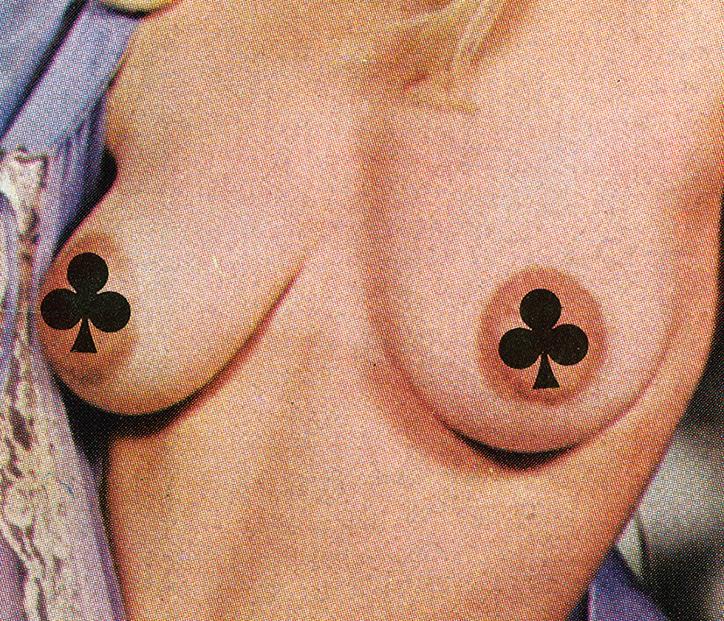 Fragment ciała kobiety zasłonięty cenzurą