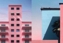 Budynki w pastelowym różu i pastelowym błękicie