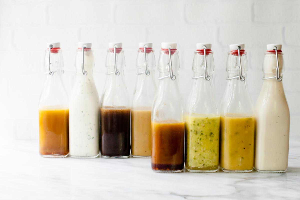 Sosy do sałatek w butelkach z krachlą
