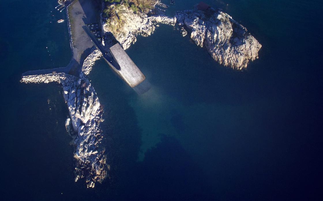 Widok na restauracje z lotu ptaka, widać morze