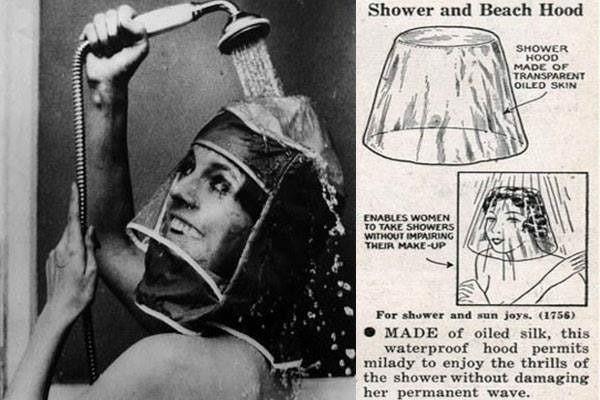Reklama z kobietą biorącą prysznic.