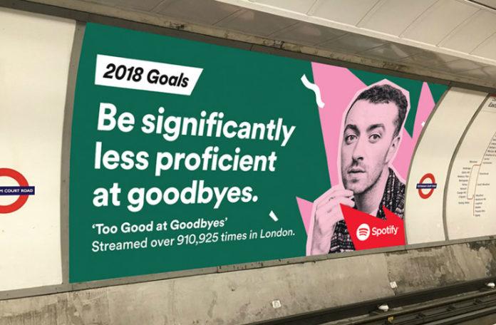 Billboard od Spotify wiszący na ścianie budynku