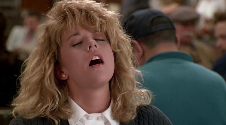 kobieta, rozchylone usta, twarz w rozkoszy