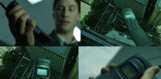 Cztery kadry z filmu Matrix z telefonem Nokia