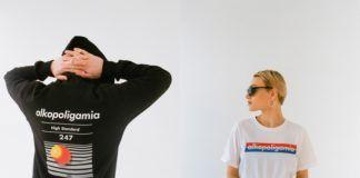 Chłopak w ciemnej bluzie stojący tyłek i dziewczyna z głową skierowaną w bok w białej koszulce