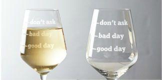 Dwa kieliszki do wina