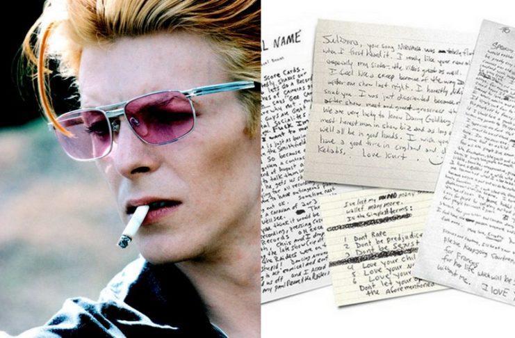 Twarz mężczyzny w różowych okularach z papierosem w ustach, a obok różne kartki z notesu