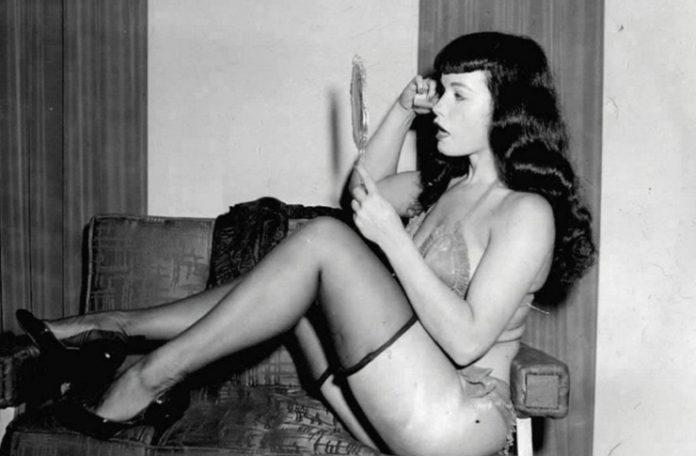 czarno-białe filmy erotyczne