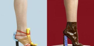 Dwa buty, jeden stworzony z taśmy izolacyjnej i zmywakó, drugi to stopa oblana czekoladą i baton Snickers zamiast obscasa