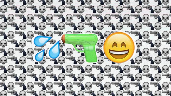 Ikony emoji przedstawiające broń, wodę i usmiechniętą buźkę