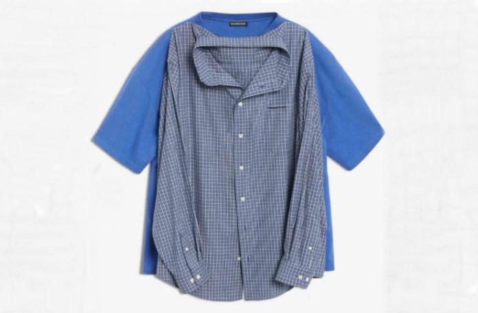Na białym tle niebieska koszula z krótkim rękawem, na nią nałożona niebieska koszula w kratkę.