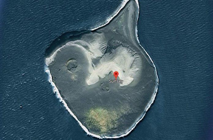 Satelitarny widok na niewielką wyspę