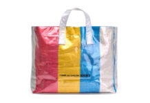 Kolorowa torba z uszami na białym tle