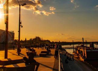 Zachód słońca nad Wisłą w Warszawie