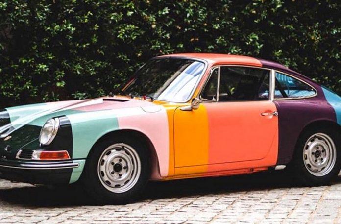 Kolorowy samochód