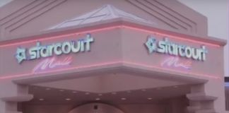 Budynek z napisem Starcut Mall