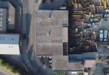 Klub Fold w Londynie, widok z lotu ptaka na dach i zaplecze